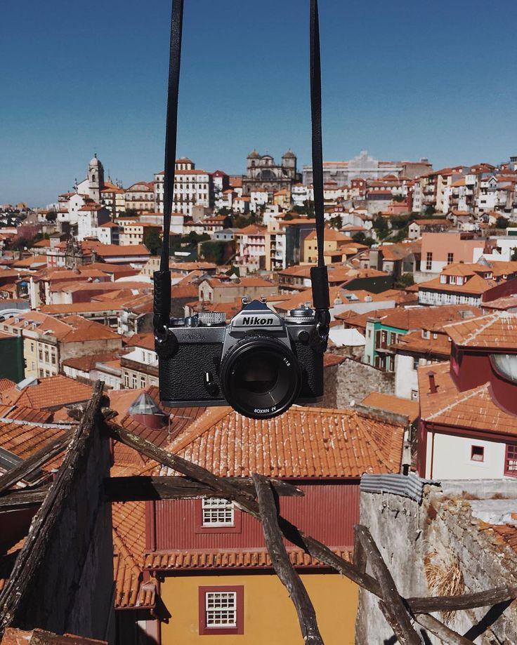 Тут в очередной раз выяснилось, что вы меня стесняетесь, и это печаль..😭 давайте не надо, ладно? Если вы проездом в Порту, киньте пару строчек, вдруг я тоже на месте и есть свободное время на погулять-попить кофе-вина, ибо это дело я люблю. Это и к тем, кто живёт в Португалии относится, между прочим 😉