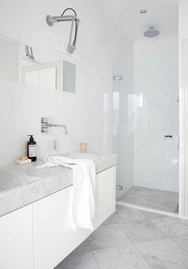 les 25 meilleures idées de la catégorie salles de bains gris clair