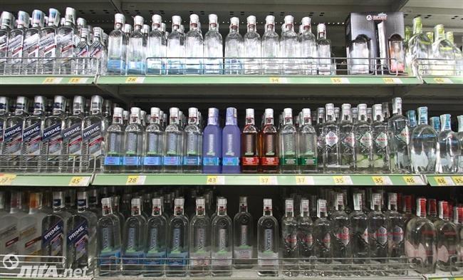 С сегодняшнего дня в Украине выросли минимальные цены на алкоголь http://news.liga.net/news/economics/13929717-s_segodnyashnego_dnya_v_ukraine_vyrosli_minimalnye_tseny_na_alkogol.htm  Розничная цена бутылки водки 0,5 л выросла на 27,1% - с 54,9 гривень до 69,78 гривень