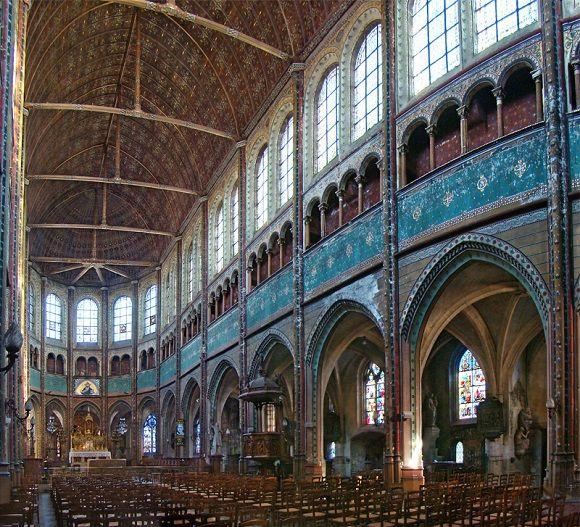 La Iglesia de Saint-Aignan es un conjunto religioso poco conocido de #Chartres. http://www.guias.travel/blog/descubre-el-descanso-de-un-santo-entre-cristales/ #turismo #Francia