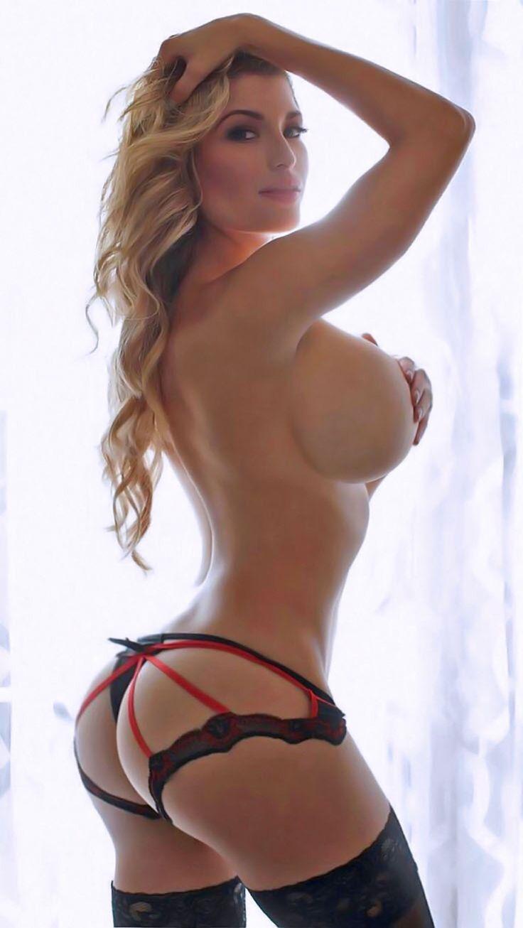 Ladies kissing ass