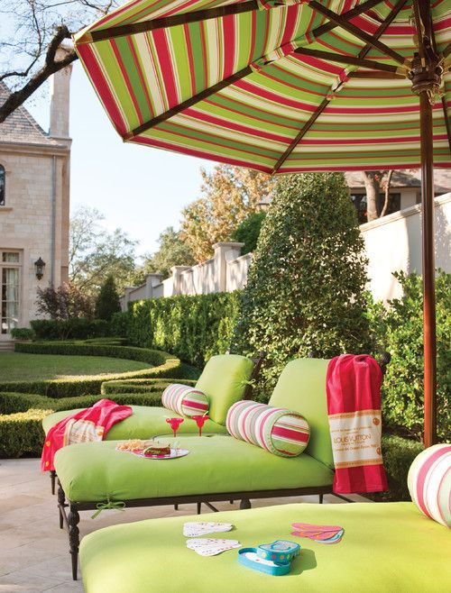 fun outdoor furniture | Interior designer Betty Lou Phillips in Dallas. Harold Leidner Landscape Architects.