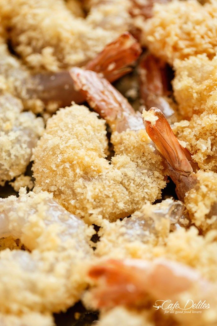 Crispy Oven Fried Crumbed Shrimp by cafedelites: Fresh shrimp dipped in a lightened up batter, coated in Panko and oven baked for that crispy deep-fried texture without the extra fat! #Shrimp #Tempura #Healthy
