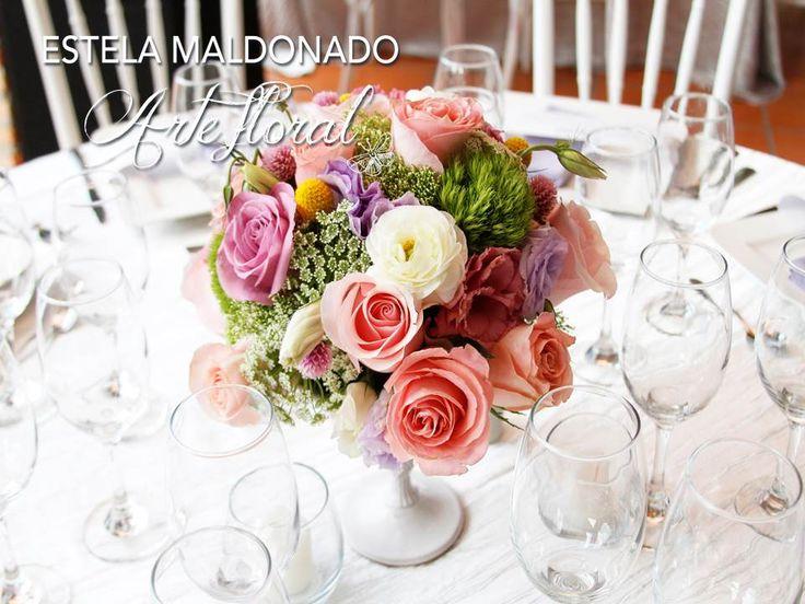 Diseño floral a base de colores pasteles #vintage #bodas #bodasmexico #sanmigueldeallende #guanajuato #wedding #centerpiece #floral