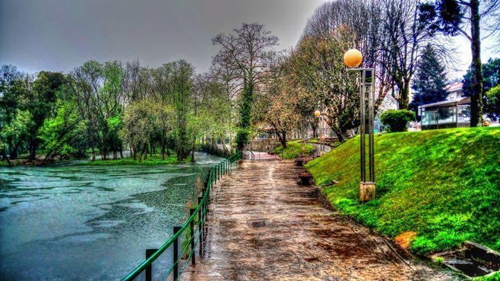 Boa noite :D Tardes de Domingo chuvosas em Arcos de. Mas mesmo com chuva a beleza das margens do rio Vez é incomparável