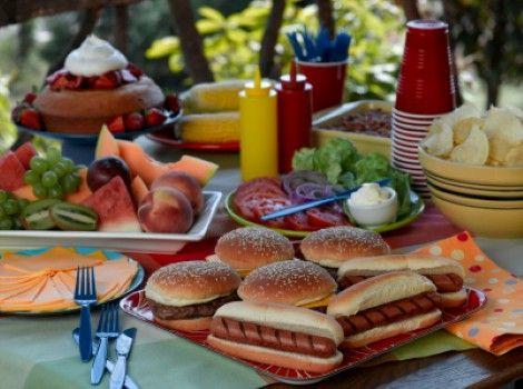 Backyard Party Menu Ideas pop up backyard dinner party entertaining ideas classy easy simple quick Picnic Food Ideas
