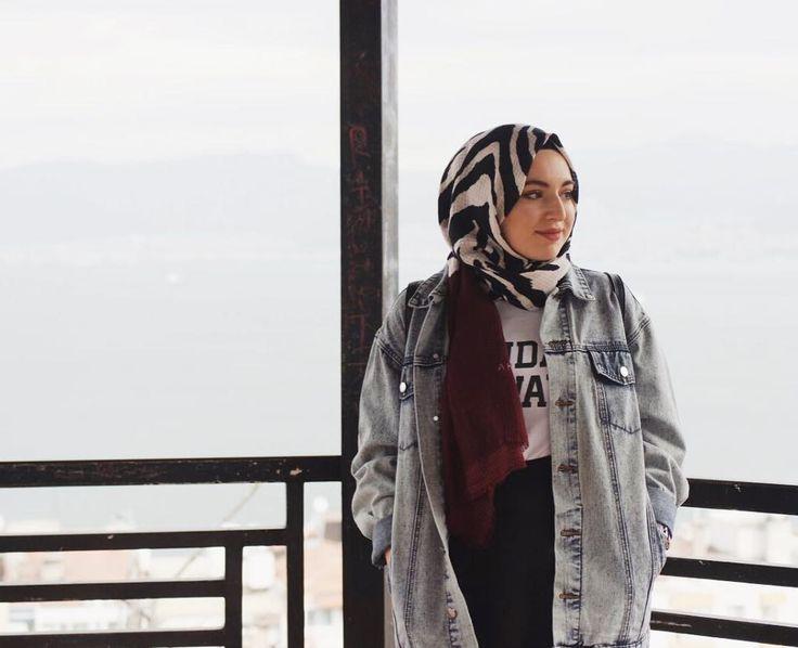 """2,948 Likes, 27 Comments - Aslı Afşaroğlu (@asliafsaroglu) on Instagram: """"Şal bağlama modelleri videom yayında linki profilimde ❤❤"""""""