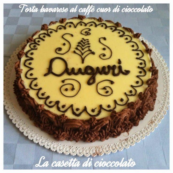 Questa è la torta che ho preparato per festeggiare insieme la festa del papà e il compleanno di Luca. E' una bavarese a tre gusti con bas...