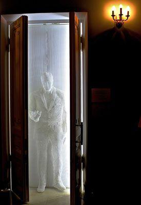 В воскресенье, 17 мая, «Гнесинская десятилетка» приглашает всех педагогов и выпускников разных лет, а также всех друзей школы на вечер встречи! Поводом послужило событие, знаменательное для всех «гнесинцев»: более года назад был запущен проект к 105-летию Зиновия Исааковича Финкельштейна – создание памятника первому директору МССМШ им. Гнесиных.