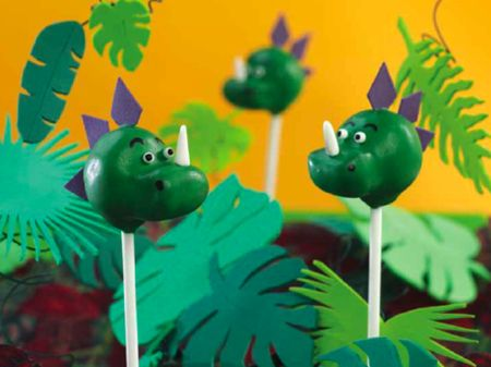 Dinosaur Cake Pops...Chrissy baldwin what about something like this for pink dragons for Hannah?