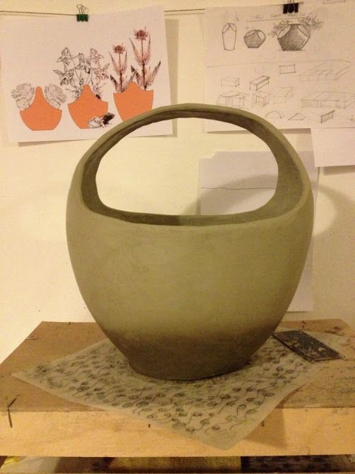 Ceramic vase with handle - drying
