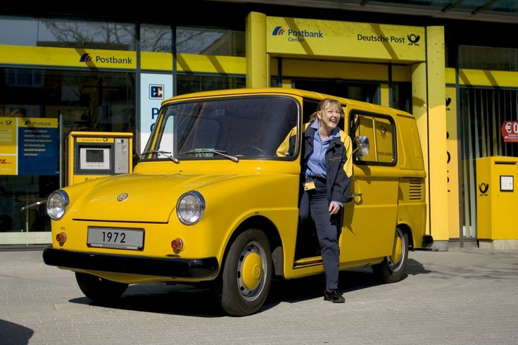 VW Typ 147, 10 anni da protagonista al seguito delle Poste Tedesche e Svizzere La collaborazione tra le Poste tedesche (Deutsche Bundespost) e la Volkswagen non è una recente novità, già dai primi anni '60 le due aziende lavoravano insieme per la progettazione di veicoli adatti alla distribuzione di pacchi e lettere in aree urbane.Uno degli esempi più curiosi rimane il Fridolin. Con questo buffo soprannome veniva infatti identificato un modello studiato appositamente per le Poste dalla…