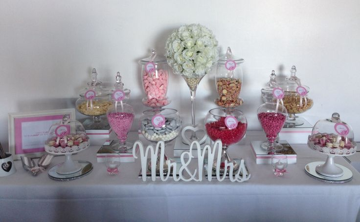 Glamorous pink & white lolly buffets designed by Brisbane Lolly Buffets www.brisbanelollybuffets.com.au