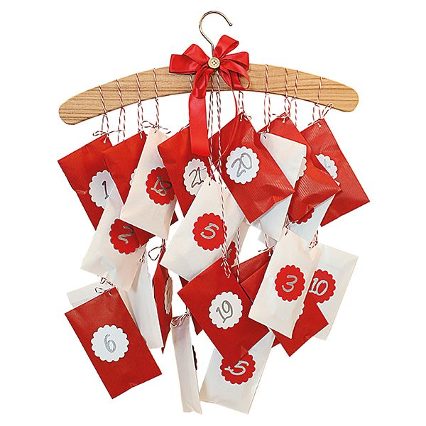 Paperipusseista ja hengarista saa kauniin ja näyttävän joulukalenterin helposti!
