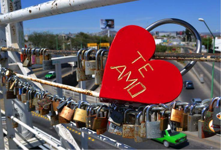 #PuenteDelAmor aprovechen este lugar para decirse cuanto se aman y prometerse amor eterno, una tradición desde hace 3 años en México