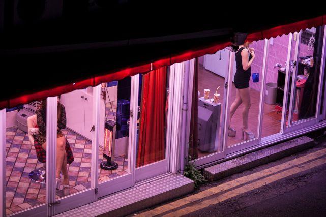 Prostitution: la position d'Amnistie internationale décriée