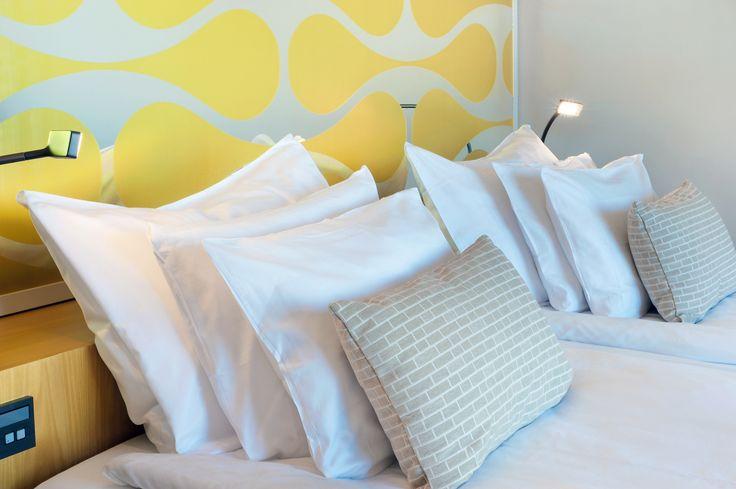 Solo Sokos Hotel Paviljonki, Jyväskylä. Valitse itse tyynysi - laadukkaat vuodevaatteet ja hyvinmuotoillun patjan valitsimme puolestasi. Solo-hotellit ovat täynnä aistikkaita ykistyiskohtia.  Choose your pillow, we chose well-turned mattress for you. Have a good sleep! #sleepingexperience