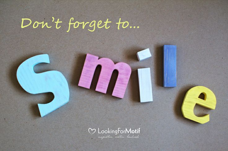 Wooden Letters S m i l e by LFM ( 18 cm x 24 mm )