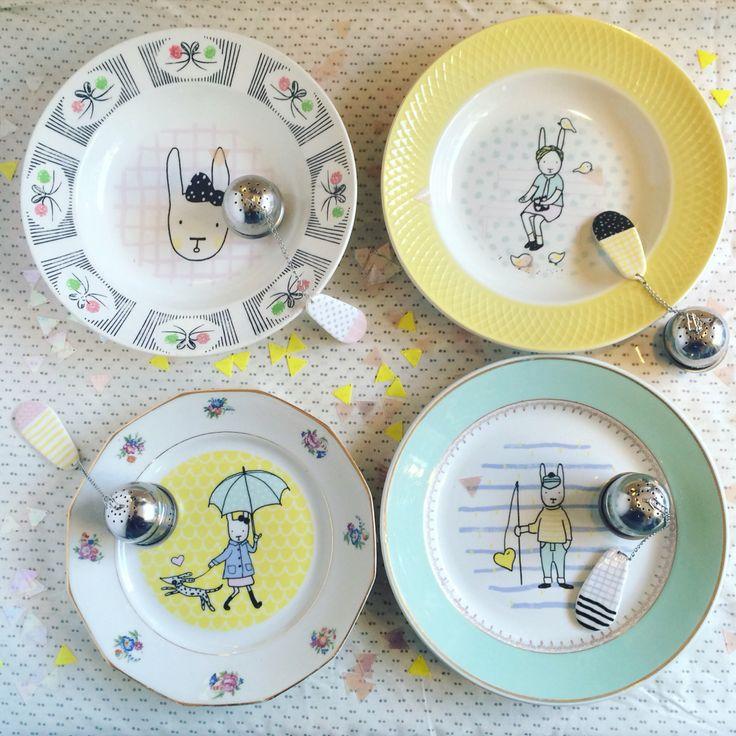 Assiettes vintage illustrées de Lapin Citron et boules à thé en porcelaine à motifs à retrouver sur henryethenriette.com