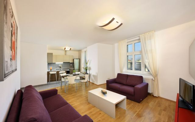 DELUXE 3-ROOM APARTMENT WITH TERRACE ( 4-6 PAX )