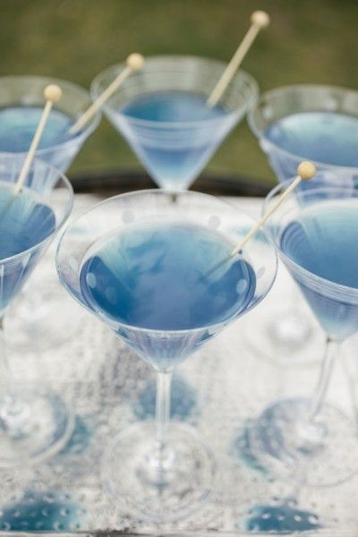 idée originale mariage bleu ciel ivoire blanc cocktail coloré wedding chicks  Carnet d'inspiration Mademoiselle Cereza mariage bleu ciel, ivoire, blanc