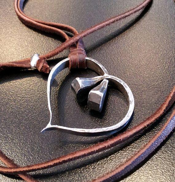 Hufeisen Nagel Heart Halskette von SteelOrchidOriginals auf Etsy