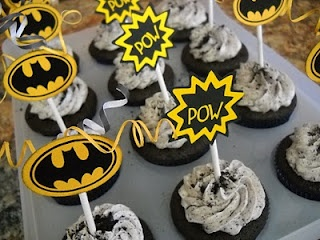 Cupcakes! by Julie: Holy Cupcakes Batman!