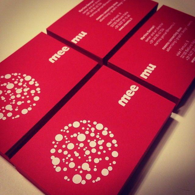 I nuovi biglietti da visita di meemu!!! Su cartoncino Sirio color lampone... Buoni!!! #graphicdesign#businesscard