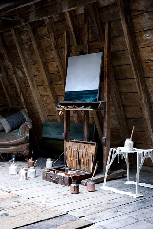 attic art studio! I really would love to do this with my own attic. It'd clear up a lot of my art clutter around the house. ;)