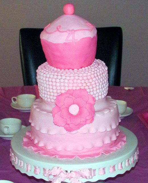 Pinkalicious Cake Images : Pinkalicious party: Jaylynne is 4 Blog, Cakes and Pink