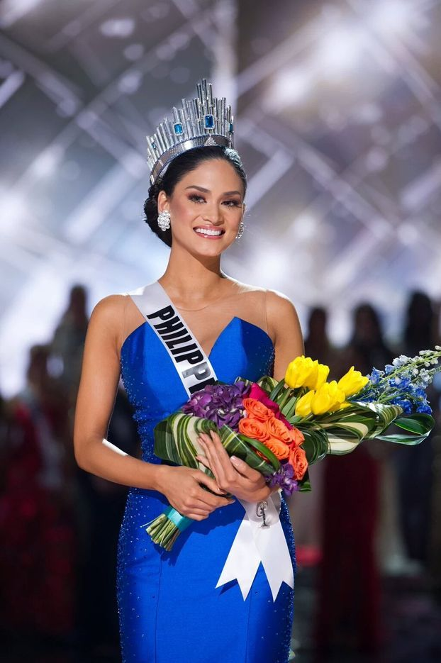"Miss Philippines was crowned Miss Universe 2015, after the crown was wrongly placed atop Miss Colombia and then removed admits much awkwardness and then onto the rightful winner.   <iframe class=""senatus-tv"" src=""http://senatus.net/embed/miss-philippines-is-miss-universe-2015/"" width=""640"" height=""360"" scrolling=""no"" frameborder=""0"" onload=""on_video_load()""></iframe>"