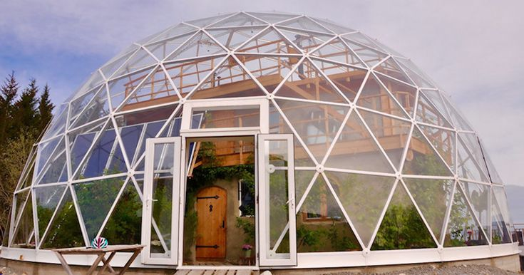 This Family Has Been Living In The Arctic Circle Since 2013 In A Self-Built House Under A Solar Geodesic Dome | Bored Panda
