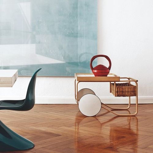 Vitra is holding a sample sale in NYC this Saturday! Original Vitra pieces as well as @artek classics by Finnish designers such as Alvar Aalto will be discounted by up to 80 per cent. The sale will be held on 23-25 September 11am-5pm at 100 Gansevoort St. #vitra #artek #design #samplesale #nyc #meatpackingdistrict - Architecture and Home Decor - Bedroom - Bathroom - Kitchen And Living Room Interior Design Decorating Ideas - #architecture #design #interiordesign #homedesign #architect…