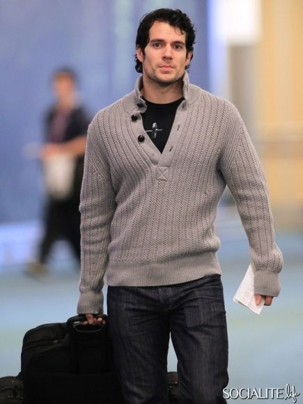 Henry Cavill Returns To Canada For 'Man Of Steel'
