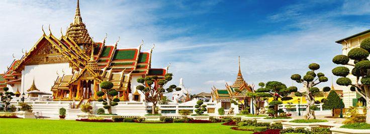 À Bangkok vous ne saurez plus où donner de la tête avec ses temples 🏯, musées, quartiers animés, marchés, coins bucoliques à découvrir en barque⛵️ et restos🍴 pour tous les goûts.  #Bangkok #Thailande #thailand #asia  #decouverte #voyageursdumonde #voyageexpert #tripadvisor #bucketlist #vacances #amazingcities #bestplacetogo #picoftheday #photooftheday #aventure #decouvrirensemble #voyage #architecture #ville #excursion #visites #escapade #travel #trips #merveille