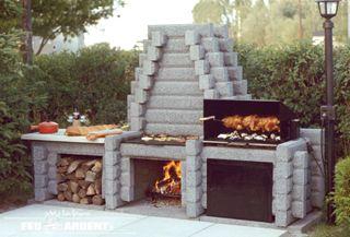 www.feuardent.com Foyer extérieur no. 300-2D illustré en Gris. Disponible également en Beige et en Rouge. #foyer #extérieur #barbecue #bbq #charcoal #cuisson #foyerardent
