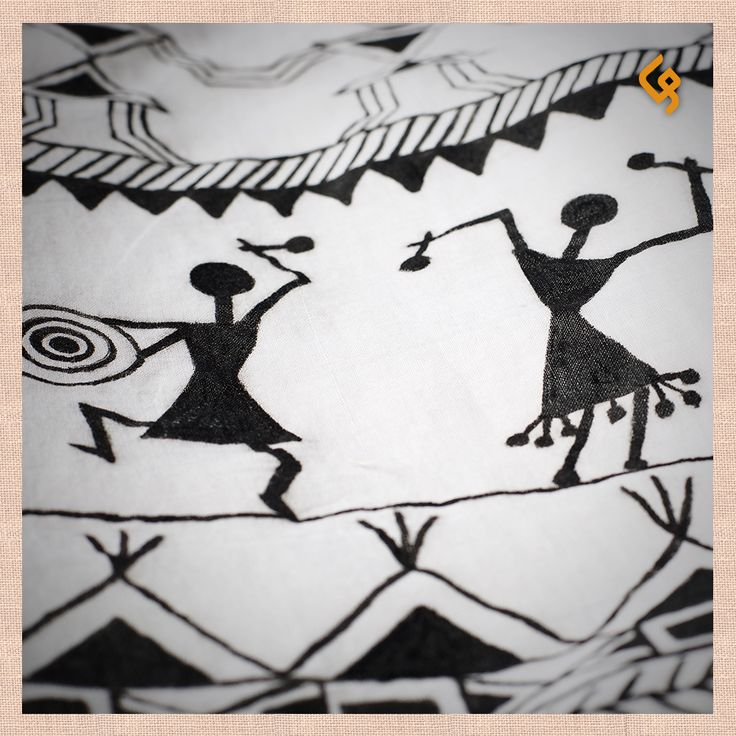 A striking craft from Maharashtra with a simple graphic vocabulary, this art form creates intricate patterns that depict human life and nature, in a delightful monosyllabic style. Every detail of every painting has its own wonderful story to tell. #Warli #TributeToTheCraftsOfIndia