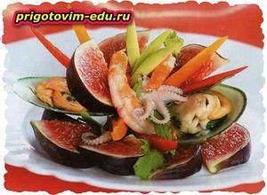 Салат с инжиром и осьминогом