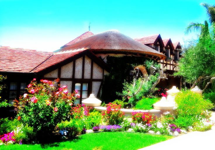 1000 images about la jolla ocean front estate on for Beach front cottage