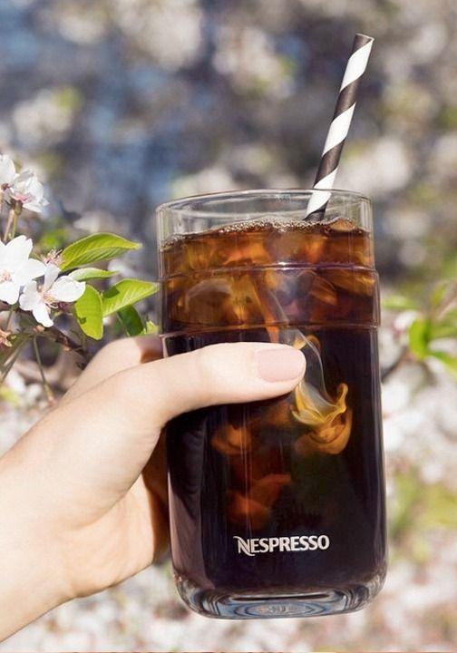 Cheers to warm weather and the stunning summer season. What better way to celebrate than with a refreshing iced coffee recipe served in a stunning VertuoLine Recipe Set Glass?