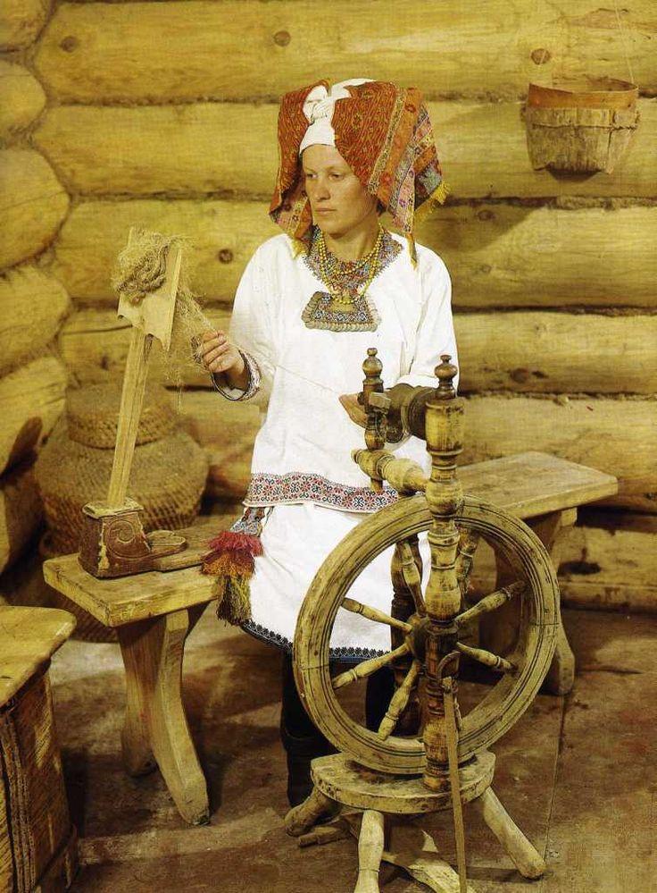 Праздничный женский костюм ,мордва- мокша.