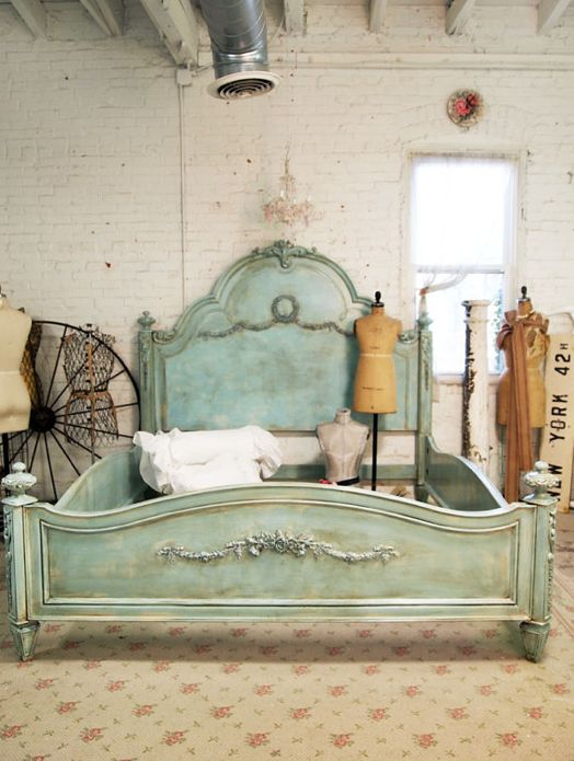 I have a guest-room bed frame to refinish.... Love this!