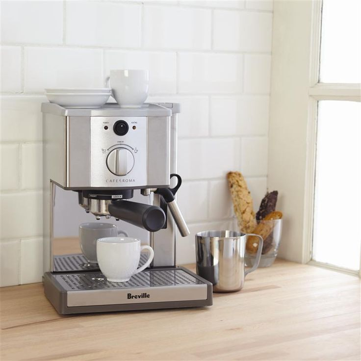 Designed for the home barista, the Cafe Roma is the perfect tool to make all of your favourite cafe drinks in your own kitchen. Fifteen bars of pressure maximizes crema for barista style performance. Easy froth and foaming makes for perfect cappuccino every time.