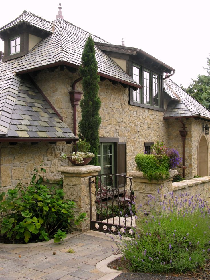 IRISH ROSE COTTAGE   Once upon a time..Tales from Carmel by the Sea So far the best one!!!!
