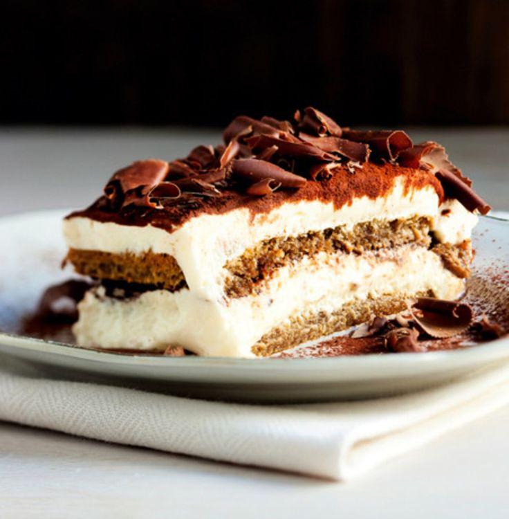 Italian lahja maailman herkkusuille on tiramisu, jälkiruoka, jossa suklaa, kahvi ja pehmeä mascarpone-juusto solmivat ikimuistoisen liiton. Tällä...