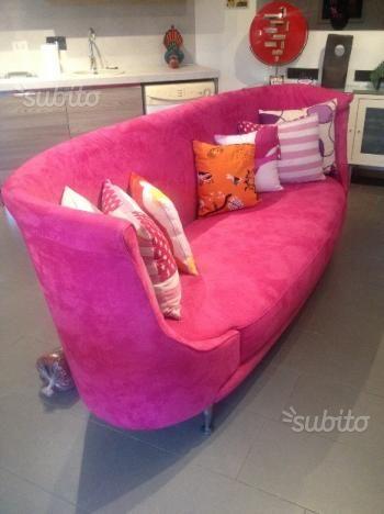 MOROSO New Tone pink sofa (here for €1.000)