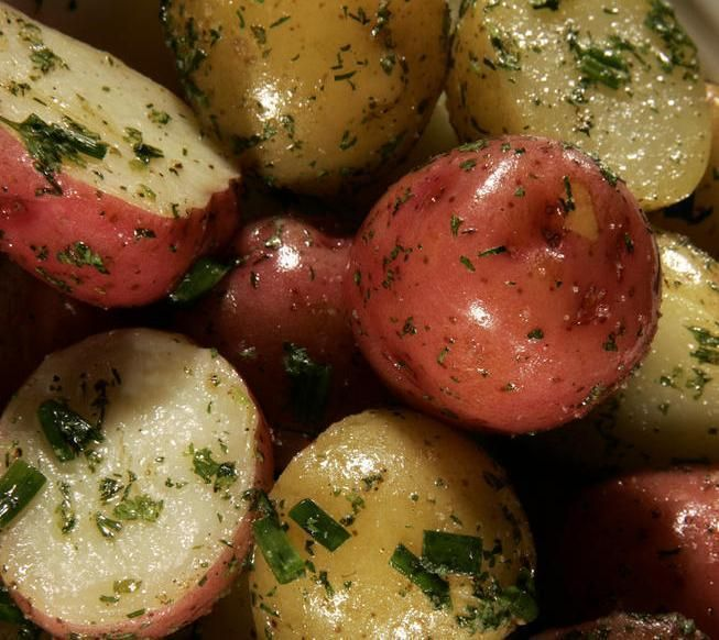 http://www.latimes.com/food/dailydish/la-dd-calcook-whats-new-freshly-dug-potatoes-and-8-recipes-for-using-them-20140425,0,2603437.story#axzz300ig0vVp