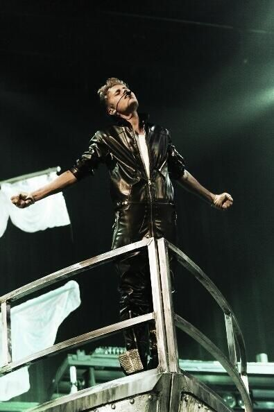 Titanic version with Justin ...pretty sure the only positive thing I could find about this picture is the knowledge that he will drown at the end of the movie....../