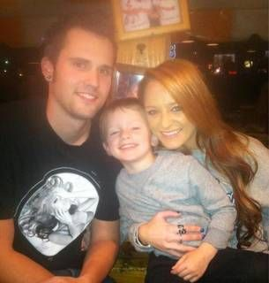 Maci Bookout Celebrates Ryan Edwards's Birthday at Hooters ... With Baby Bentley! (PHOTO)