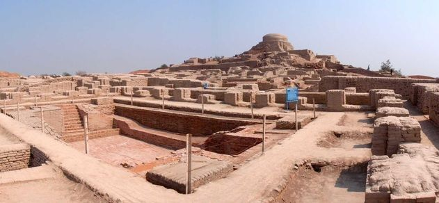 3,000 ~ The Indus Valley civilization flourishes with two large cities (Harappa and Mohenjo-Daro) and nearly seventy smaller towns.A part of the Third Region would become known as Zamash, the Land of Sixty Precious Stones. Another part became known by the name of Aratta, the Wooded Realm.